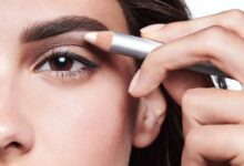 How to perfectly shape eyebrows with concealer?